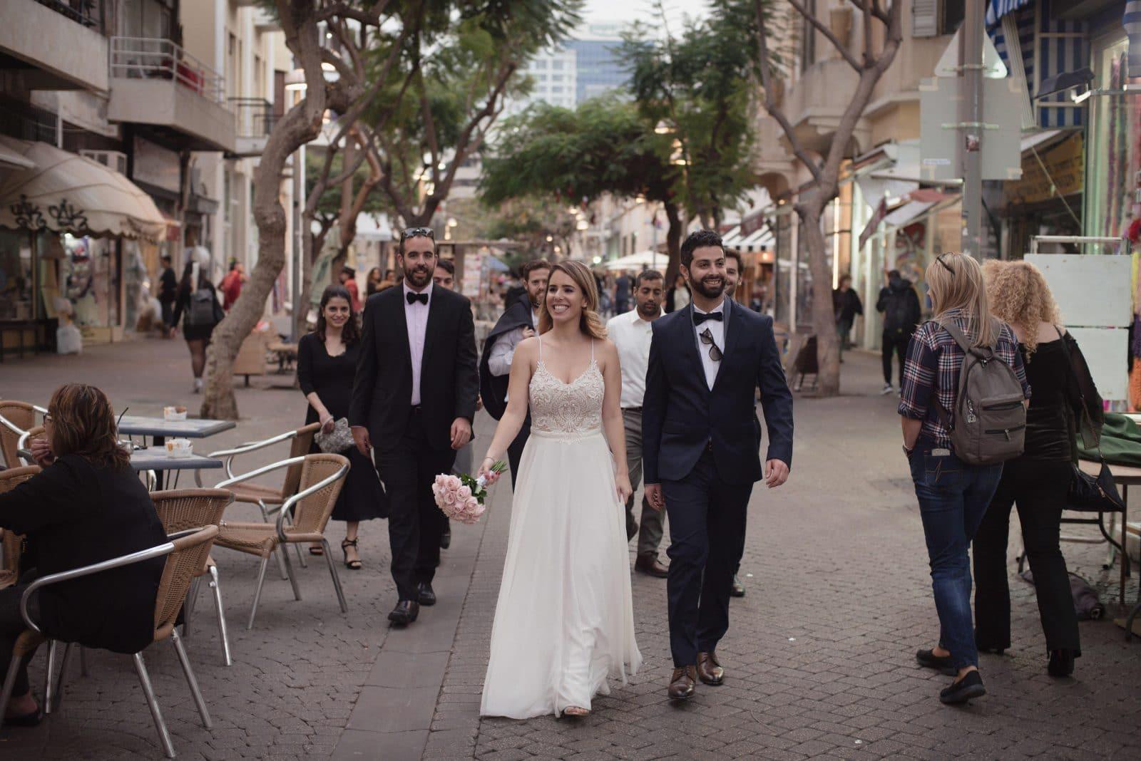 חתן וכלה- בדרך לחתונה באולם אירועים גרייס