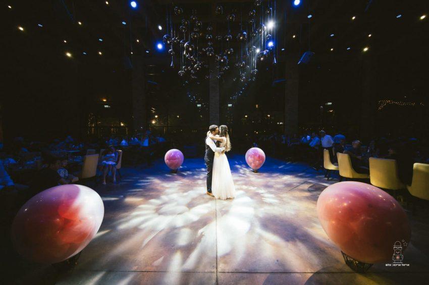 ריקוד סלואו- חתן וכלה- גרייס אירועים